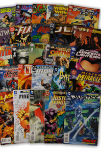 25 Random DC Superhero Comic Collection with JLA/JSA